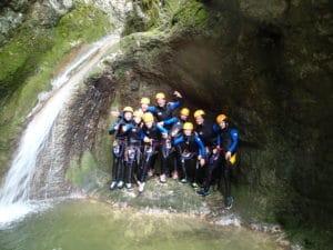 Groupe en canyoning aux Chaudières aux Gras dans le Doubs