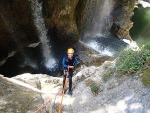 Descente en rappel au canyon de Malvaux